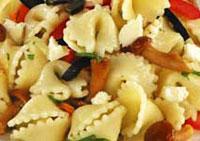 Макаронный салат с грибами.