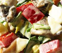 Витаминный салат с шампиньонами.