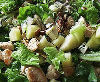 Салат из куриной грудки с дыней.