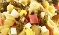 Макаронный салат со спаржей.