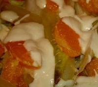 Салат из цикория с мандаринами в белом соусе. Рецепт.